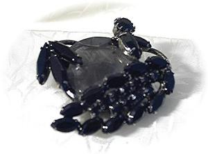 Black Jet Faceted Glass Vintage Brooch/Pin (Image1)