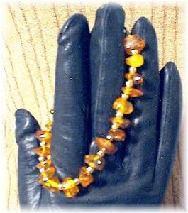 8 Inch Golden Amber Nugget Bead Bracelet. (Image1)