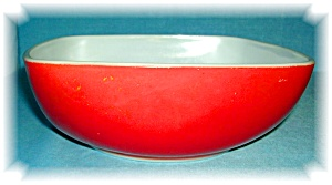 PYREX SQUARE SERVING DISH RED 60s (Image1)
