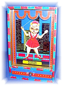 VINTAGE DANCING DOLL MUSIC BOX (Image1)