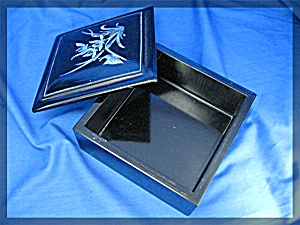 Oriental black laquor box with mother of pearl (Image1)