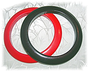 2 BAKELITE BANGLE BRACELETS RED & BLACK (Image1)