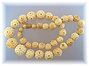 Necklace Cream Carved Stone/Jade Barrel Clasp. (Image1)