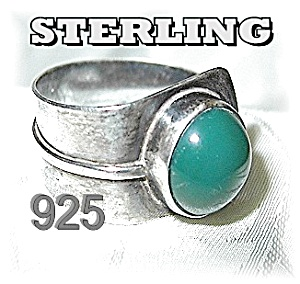 Sterling Silver Green Stone Ring Israel . . . . . . . . (Image1)