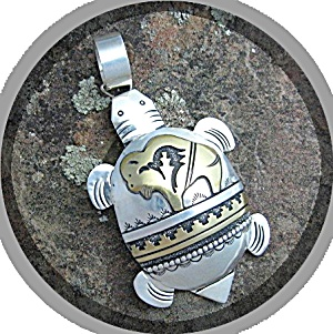 Tommy Singer Buffalo Turtle Stedrling Silver Gold Pend