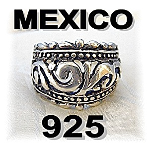 Beautiful Mexican Sterling Silver Dome Ring . . . . . (Image1)