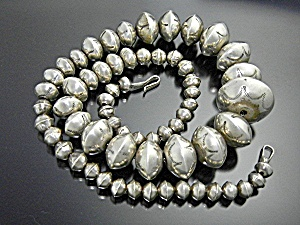Navajo Pearls Sterling Silver Necklace 72 Grams (Image1)