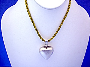 Sterling Silver heart Pendant 925 On Top of Bale (Image1)