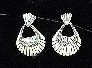 Sterling Silver Vintage Dangle pierced Earrings (Image1)
