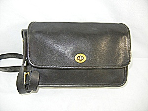 vintage COACH black leather handbag (Image1)