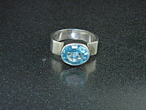 Sterling Silver Blue Topaz Ring 4ct (Image1)