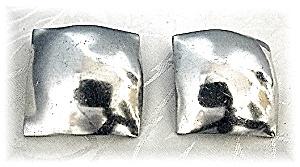 Large Square ROBIN KAHN Clip Earrings (Image1)