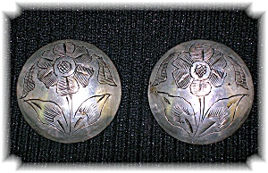Large Silver Etched Flower Pattern Clip Earrings (Image1)