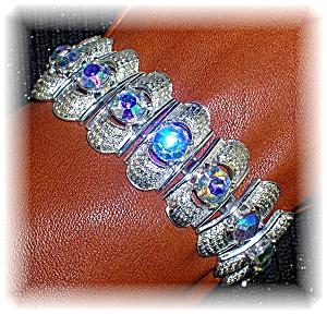 CORO Vintage Signed Silvertone Borealis Bracelet (Image1)