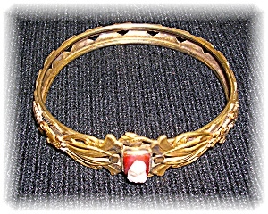 Antique Cameo Gold Plate bangle bracelet (Image1)