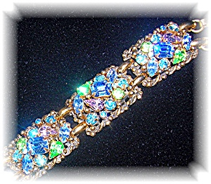 BARCLAY Signed Gold and Crystal Bracelet (Image1)