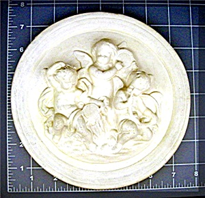 Cherubs plaque playing musical instruments, Plaster (Image1)