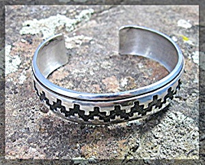 TOMMY SINGER Sterling Silver Cuff USA (Image1)
