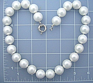Mother Of Pearl Shell Pearls 14mm 19 Inches