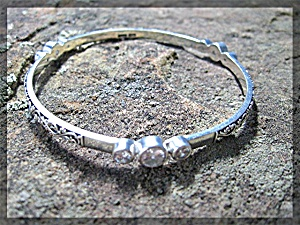 Bracelet Sterling Silver White Naural Zircon Bangle Peg (Image1)