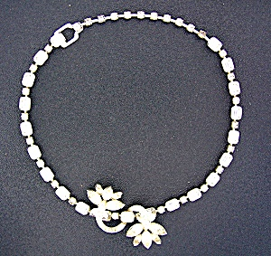 Eisenberg Crystal Necklace Flower Pendant Necklace (Image1)