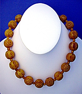 Gold Lucite Flower Bead Necklace Barrel Clasp (Image1)