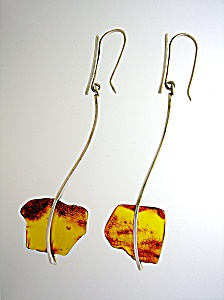 Sterling Silver and Amber Wire Loop Artist Made Earring (Image1)
