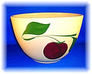 OVEN WARE POTTERY 2 LEAF APPLE MIXING BOWL 65 ...... (Image1)