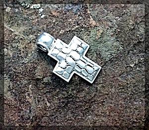Pendant Sterling Silver Pebble Design Cross ...... (Image1)
