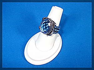Ring Sterling Silver Faceted Blue Topaz Rope Shank (Image1)