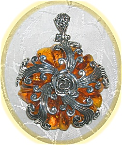 STERLING SILVER AMBER PENDANT........ (Image1)