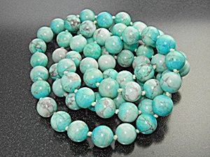 Necklace Turquoise Handknotted Beads (Image1)