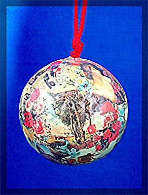 Christmas Tree Ornament, paper mache (Image1)