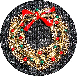 VINTAGE CHRISTMAS WREATH PIN BY GERRY'S.... (Image1)