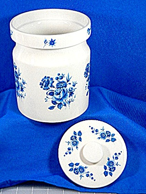 Portmeirion Medium Canister Blue Flowers with lid. (Image1)