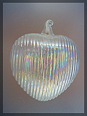 Christmas Tree Ornament, glass heart (Image1)