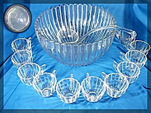 Heisey Punch Bowl with 11 glasses and ladel CRYSTOLITE (Image1)