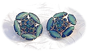 Sparkling Green Glass WEISS Clip Earrings (Image1)