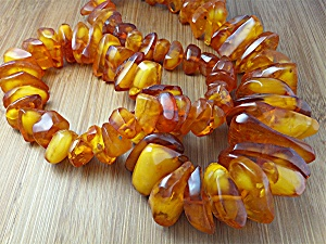Necklace Golden Amber Nuggets Large 26 Inches (Image1)
