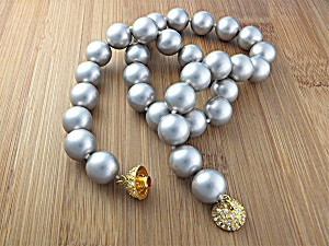 Shell Pearls Silver Grey Neckalce Gold Crystal Clasp (Image1)