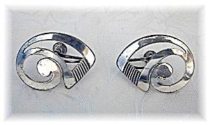 Sterling Silver BEAU Screwback Earrings (Image1)