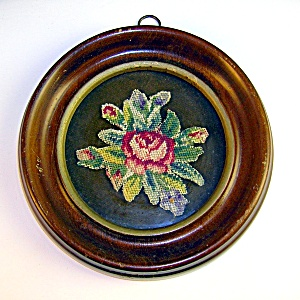 VINTAGE MINITURE NEEDLEPOINT IN FRAME. (Image1)
