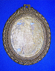 Picture Frame Oval Gold Tone 60s