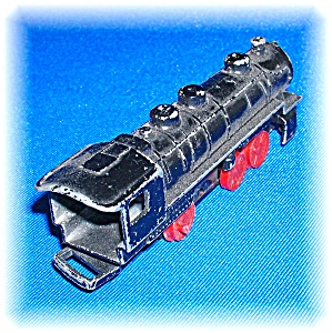 VINTAGE  CAST IRON TOY TRAIN LOCOMOTIVE  . . . . . (Image1)