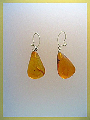 Antique Gold Wire Teardrop Amber Pierced Earrings (Image1)