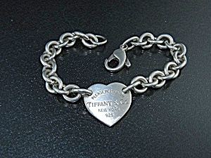 Tiffany & Co Sterling Silver Heart Bracelet (Image1)