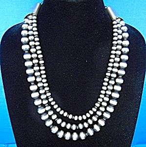 Navajo Pearls 3 Strands 138 Grams Necklace