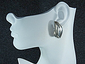 Taxco Mexico Sterling Silver Jondell Clip Earrings (Image1)