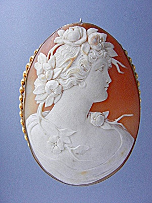 Shell Cameo Carved Brooch Pin 10K Italy (Image1)