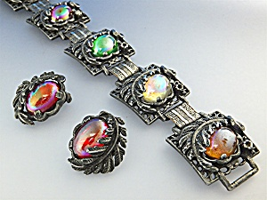 Bracelet Earrings Silvertone and Irridescent  Glass  (Image1)